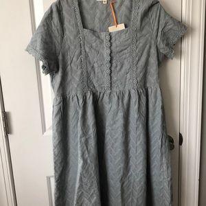 Beautiful blue/gray dress!